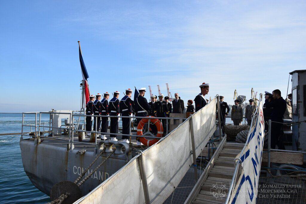 Командувача ВМС України нагородили французьким орденом
