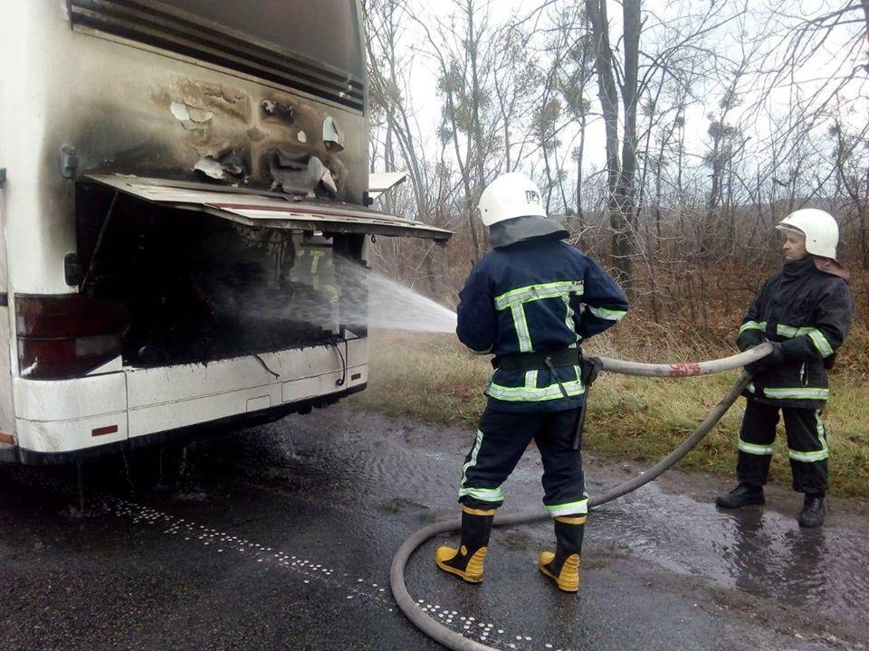 Загорівся автобус з пасажирами