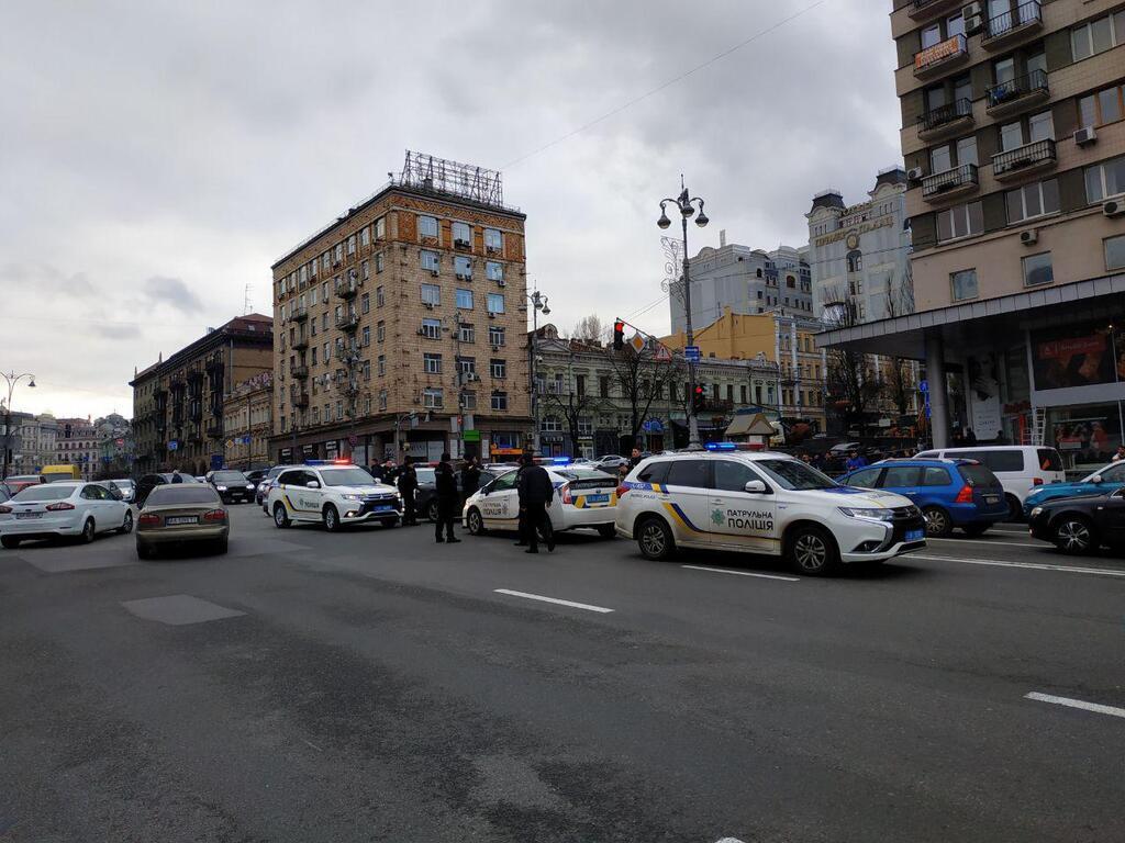 У Києві п'яний влаштував перегони з поліцією і розбив 12 авто