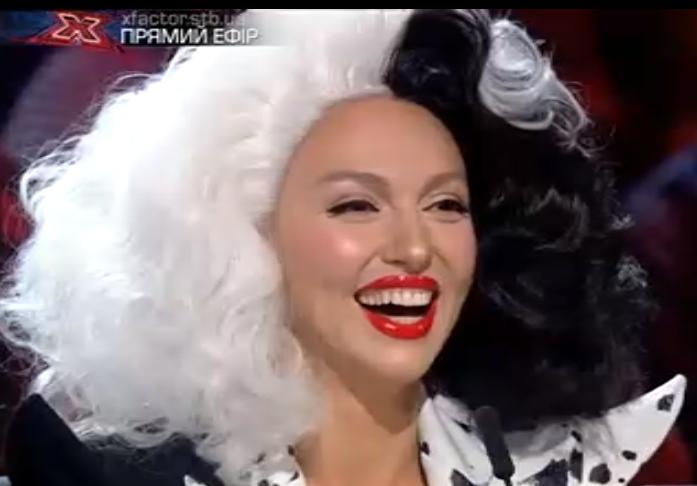 Оля Полякова в образе Круэллы Де Виль