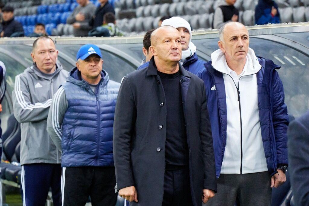 Роман Григорчук (в центре)