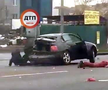 В результате аварии погибло два человека