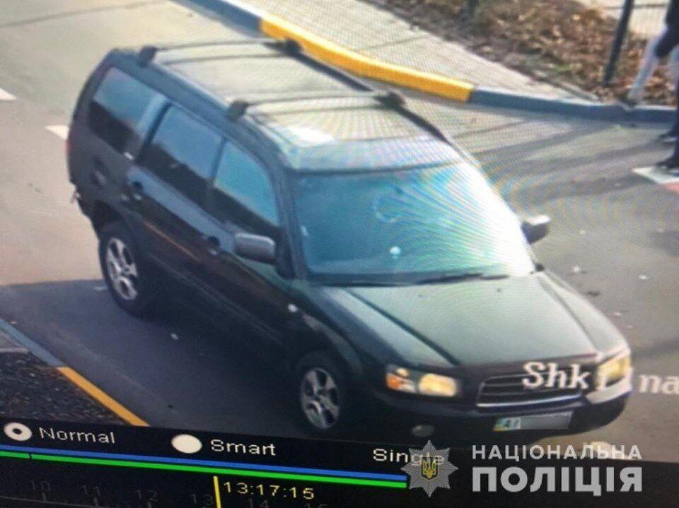 У селищі Калинівка Броварського району Київської області четверо молодиків нахабно викрали автомобіль