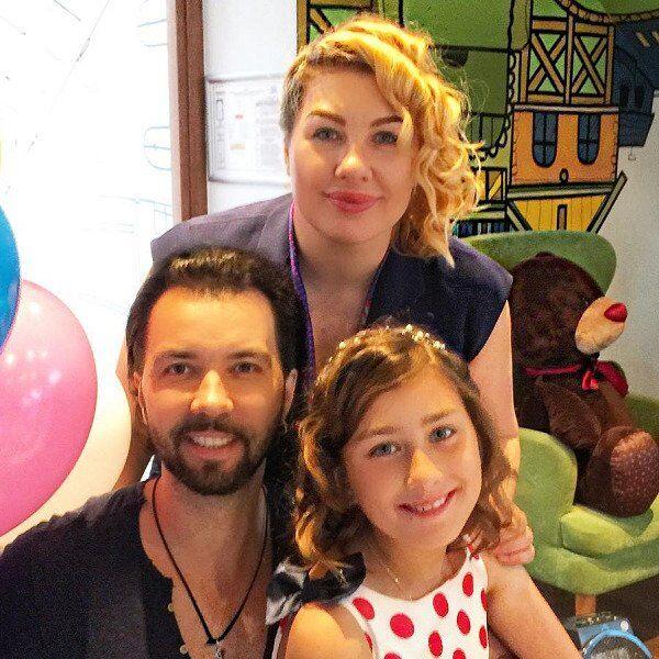 Денис Клявер і Єва Польна з донькою
