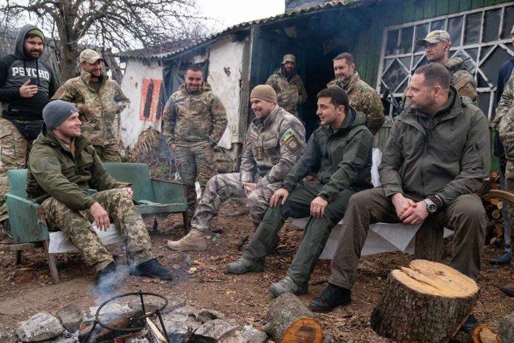 Встреча добровольцев с президентом Владимиром Зеленским в Золотом
