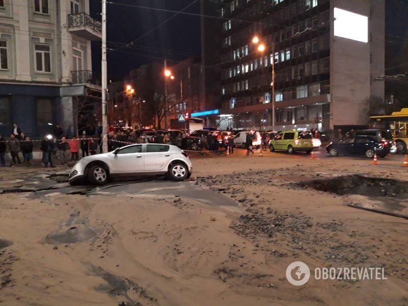 В центре Киева прорвало трубу с кипятком