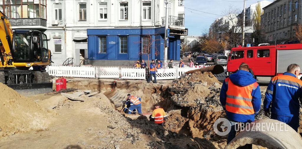 В Киеве 5 ноября произошел прорыв водопроводной трубы