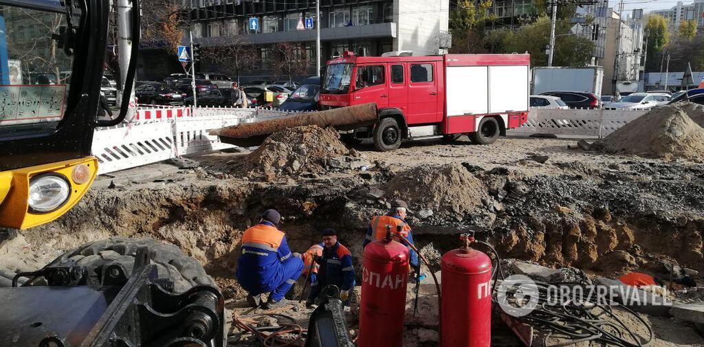 Первые фото и видео с места проведения ремонтных работ в Киеве, на пересечении улиц Шота Руставели и Саксаганского