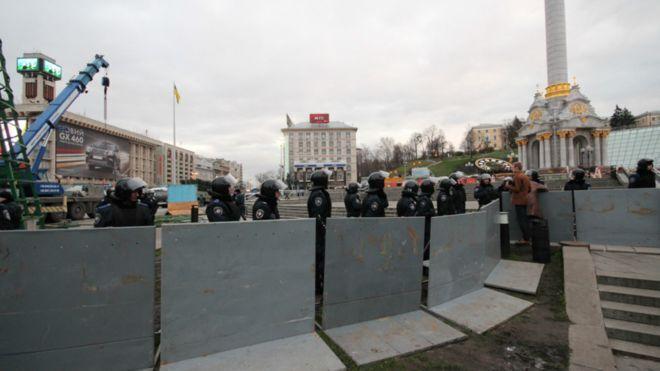 Утром Майдан опустел