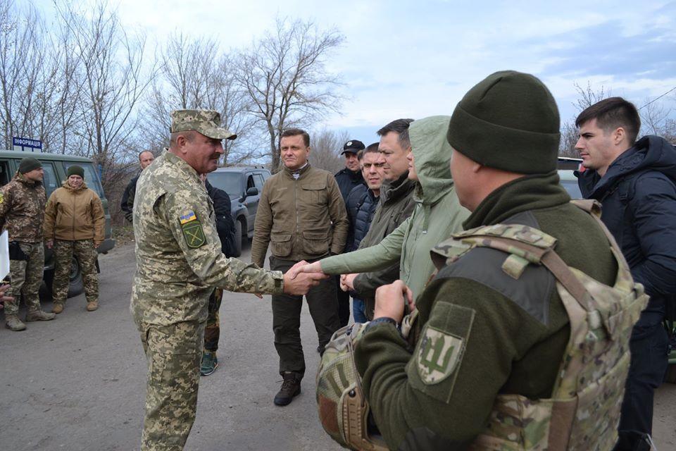 5 ноября Золотое-4 посетили народные депутаты Украины