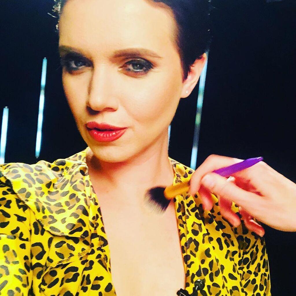 Яніна Соколова показала груди
