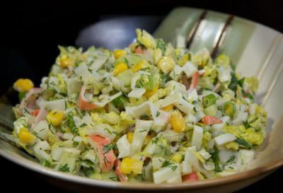 Пісний салат з крабовими паличками