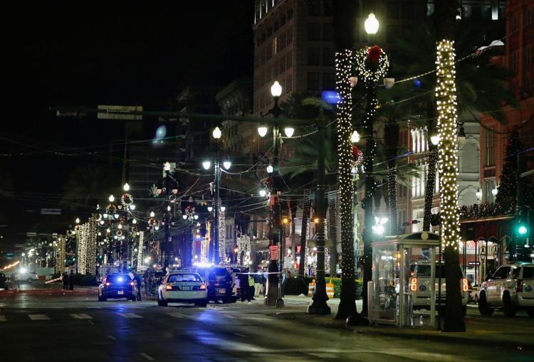 Стрельба в Новом Орлеане - улицу оцепили