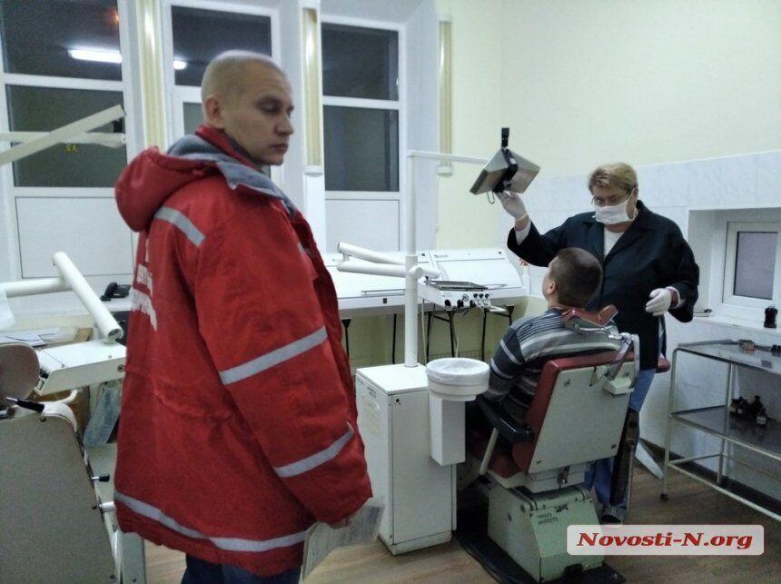 """Увезла """"скорая"""": в Николаеве жестоко избили журналиста"""