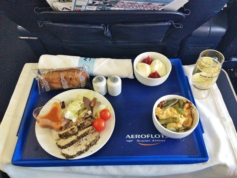 """Питание от """"Аэромара"""" в рейсе Москва - Симферополь (фото 2014 года)"""