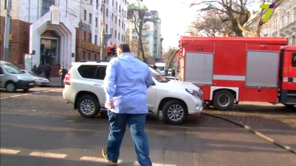Автохам Юзик заблокировал въезд пожарным машинам в Одессе