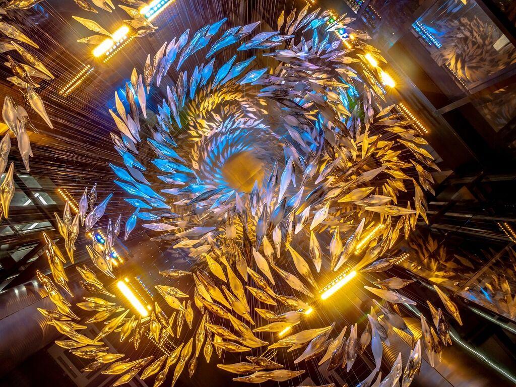 Магия стекла и света: в Киеве появилась эксклюзивная композиция