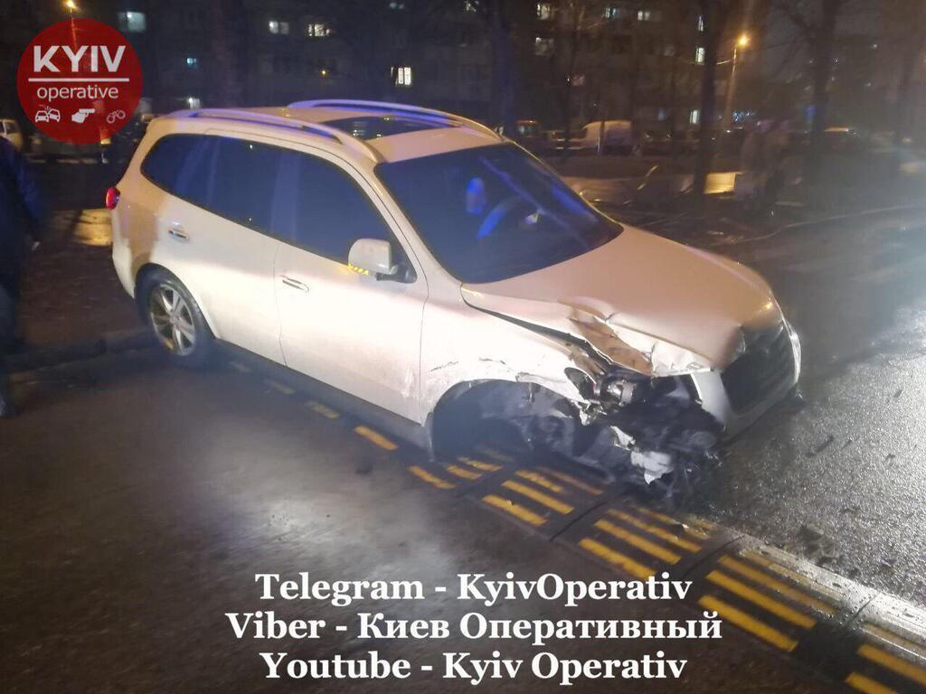 У Києві п'яний водій влаштував ДТП