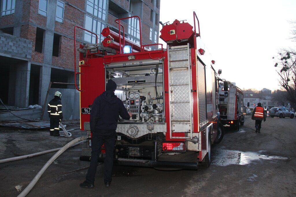 В Киеве горел новострой