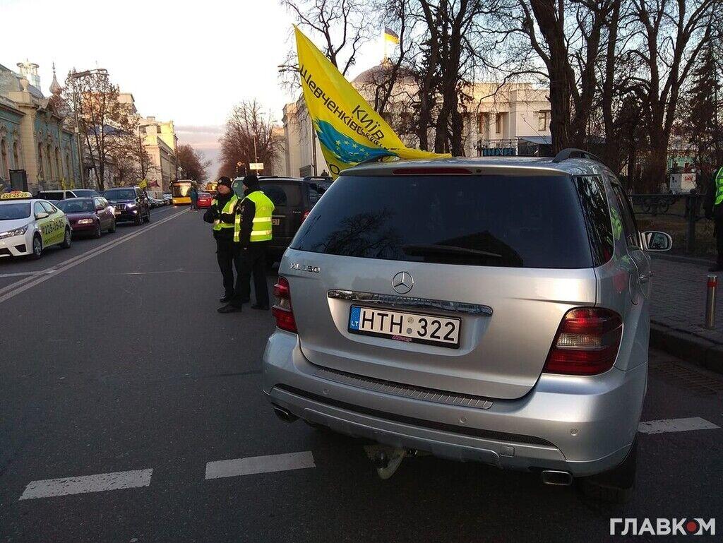 Протесты владельцев авто на еврономерах под Радой