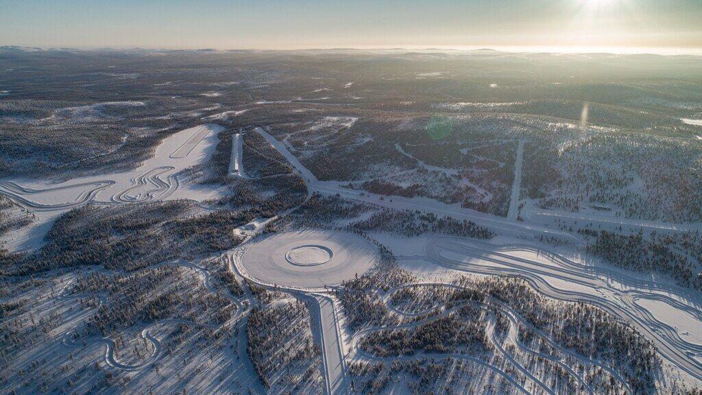 Nokian Tyres проводять випробування зимових шин на полігоні в м Ивало (Фінляндія), розташованому за Полярним колом