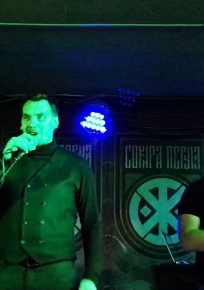 Глава Кабміну виступає на концерті