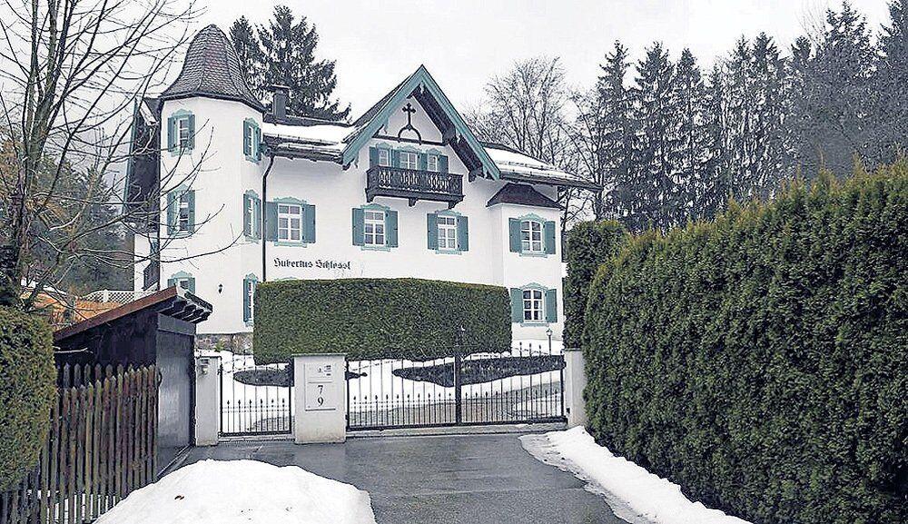 Баварський замок, який належав Горбачовим