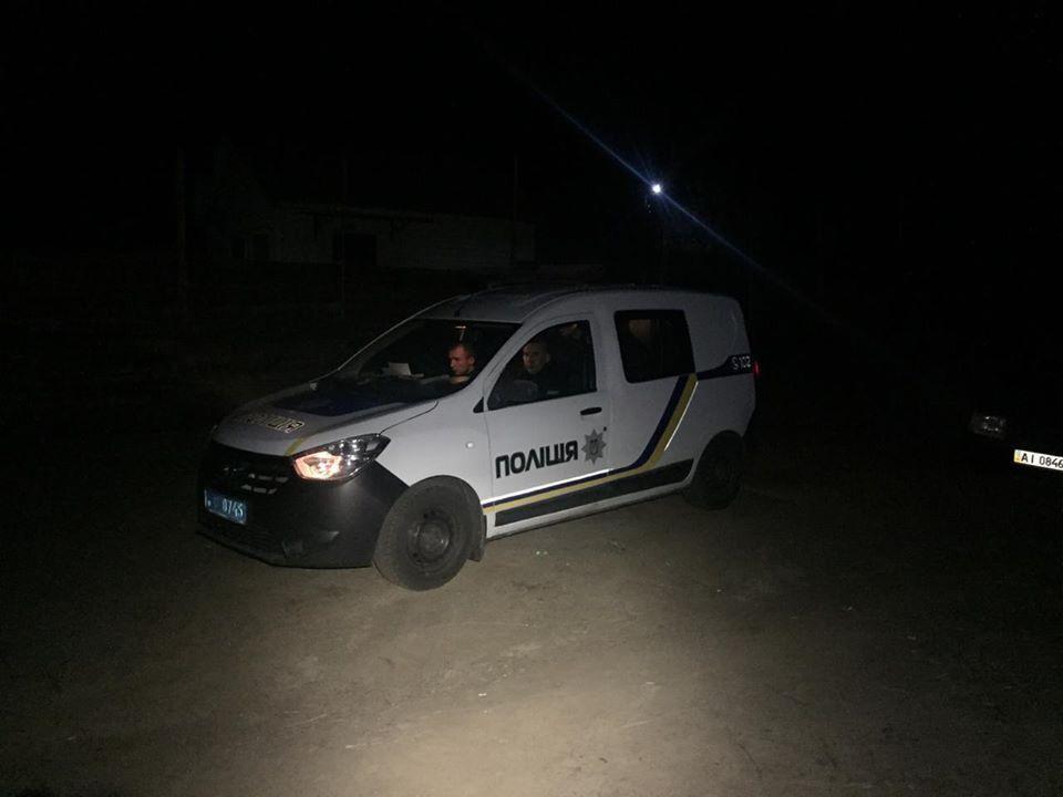 На державних інспекторів Київського рибоохоронного патруля напали браконьєри, які облили людей бензином та погрожували вбити
