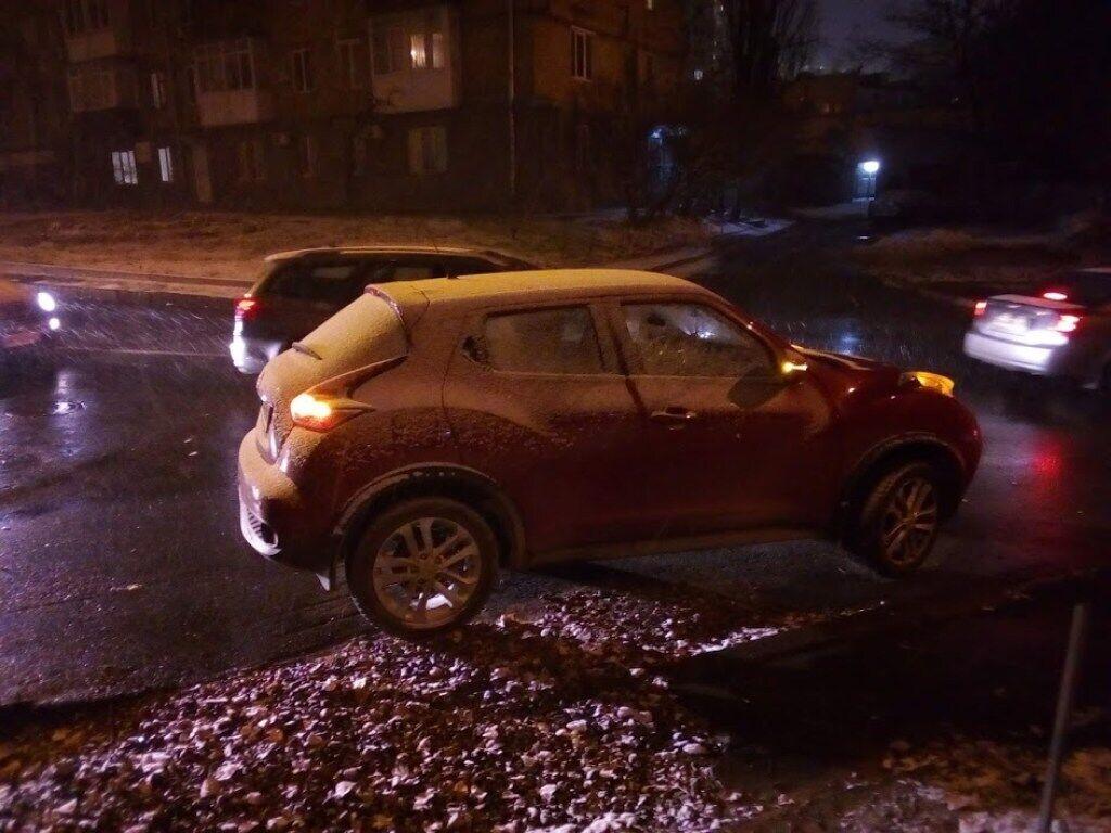 В Киеве выпал первый зимний снег