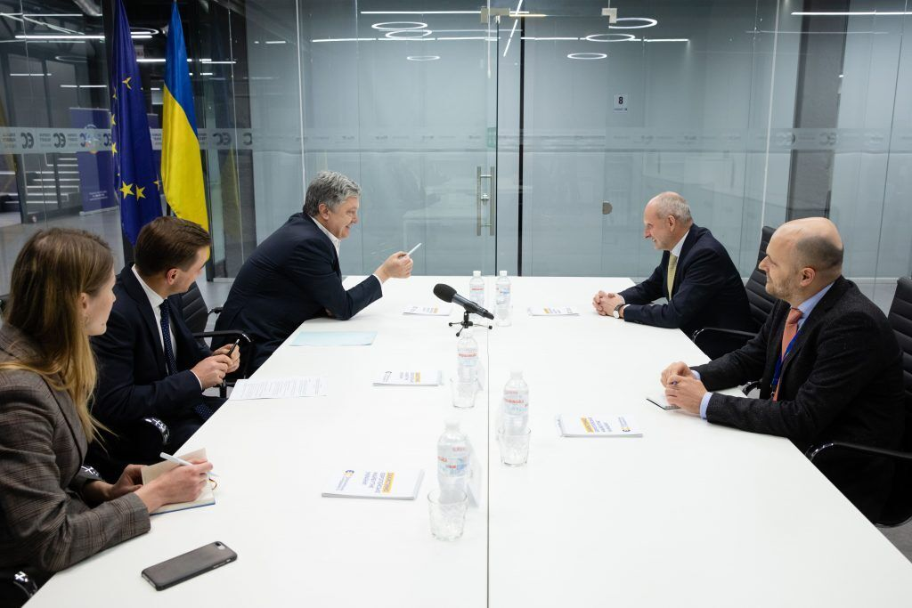 Петр Порошенко встретился с Матти Маасикасом.
