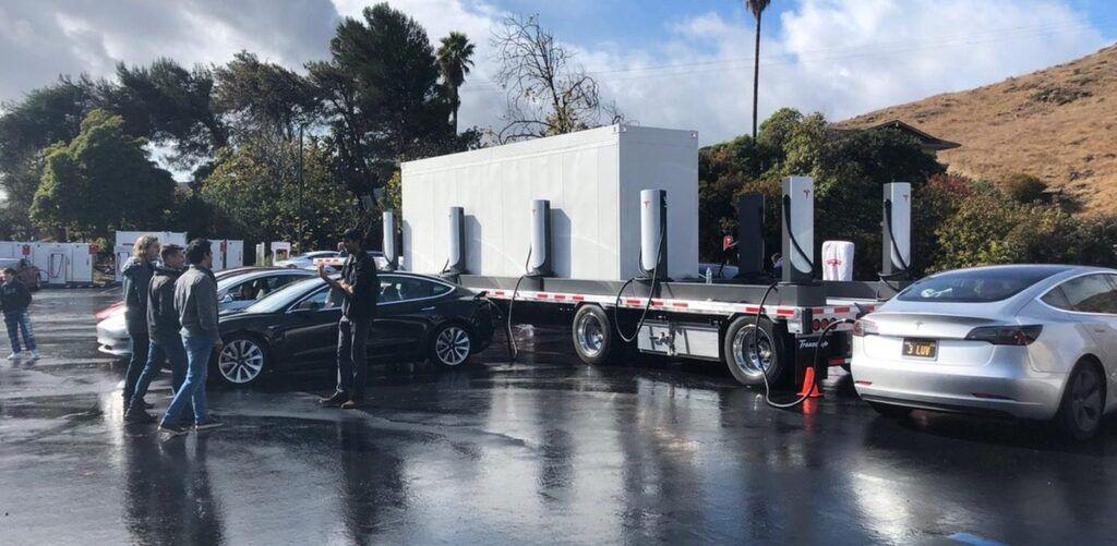 Зарядна станція Tesla Supercharger