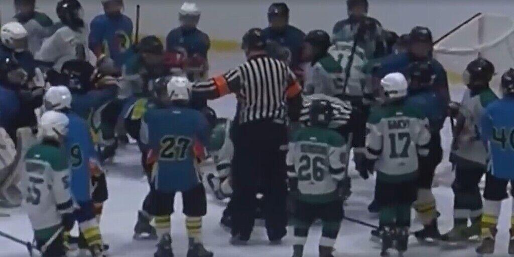 Массовая драка на детском хоккейном матче в Одессе