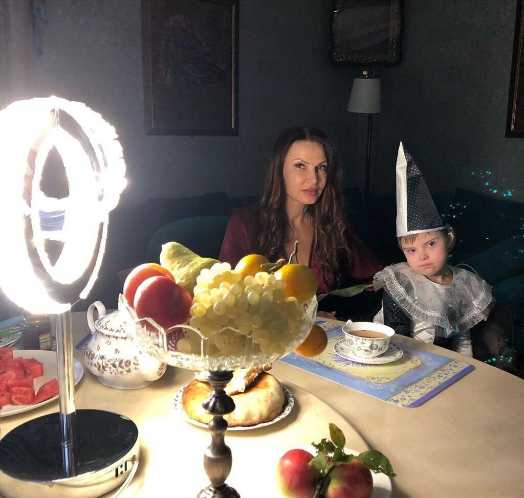 Евеліна Бледанс з сином
