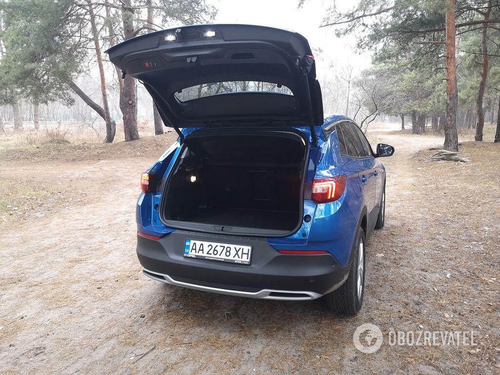 Opel Grandland X обладает вместительным багажником объемом 514 литров