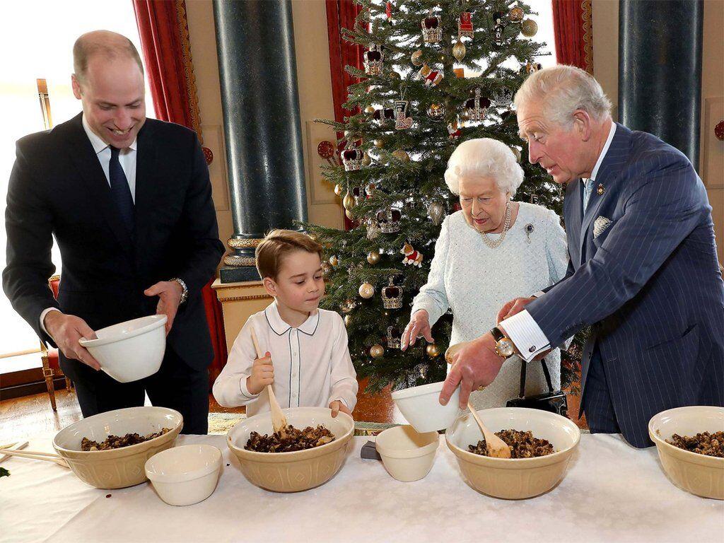 Королівська родина готує пудинги
