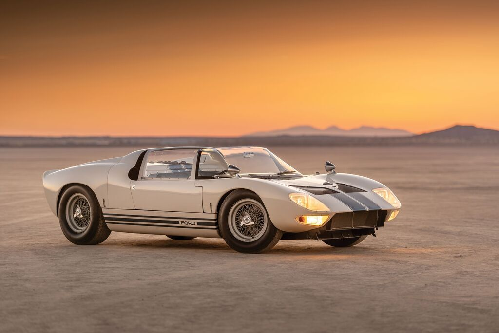 1965 Ford GT40 Roadster Prototype – $7 650 000