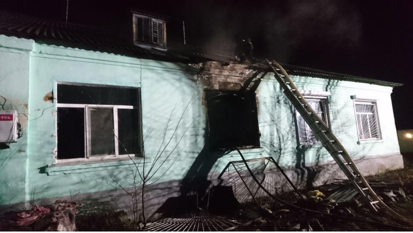В корпусе полностью выгорела одна палата