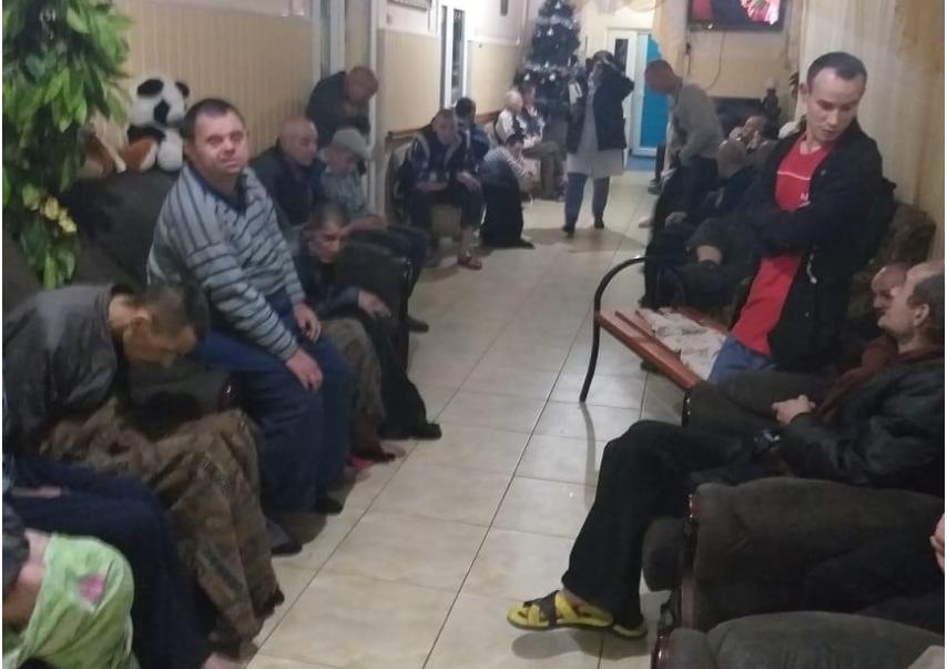 Пострадавших пациентов на ночь отправили в уцелевший корпус