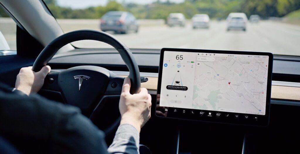 Система управления электромобилем Tesla