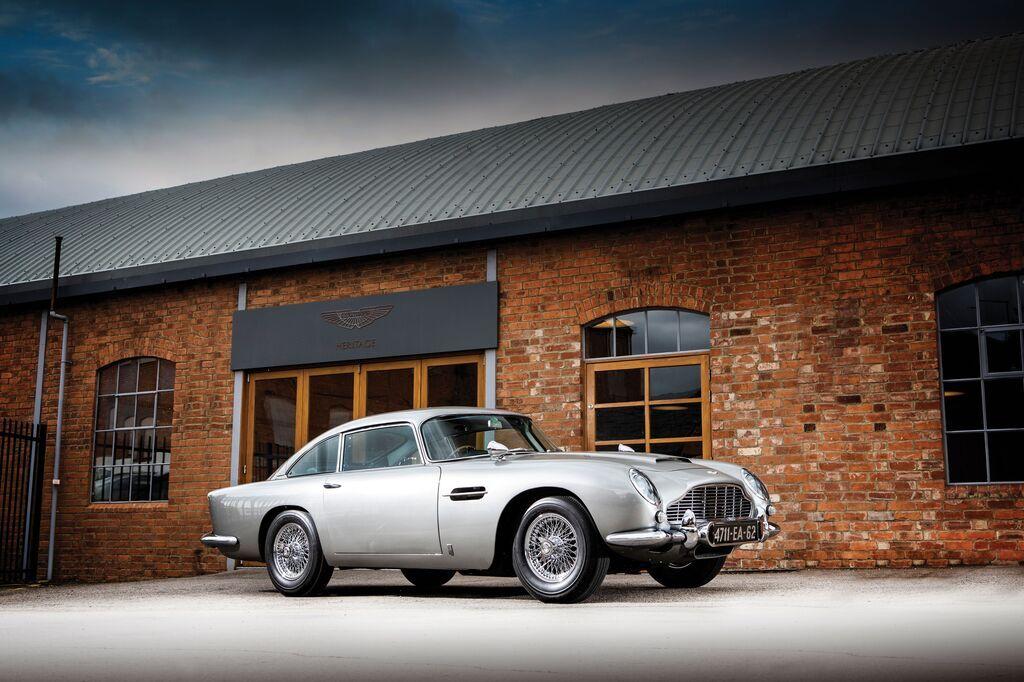 "1965 Aston Martin DB5 ""Bond Car"" – $6 385 000"
