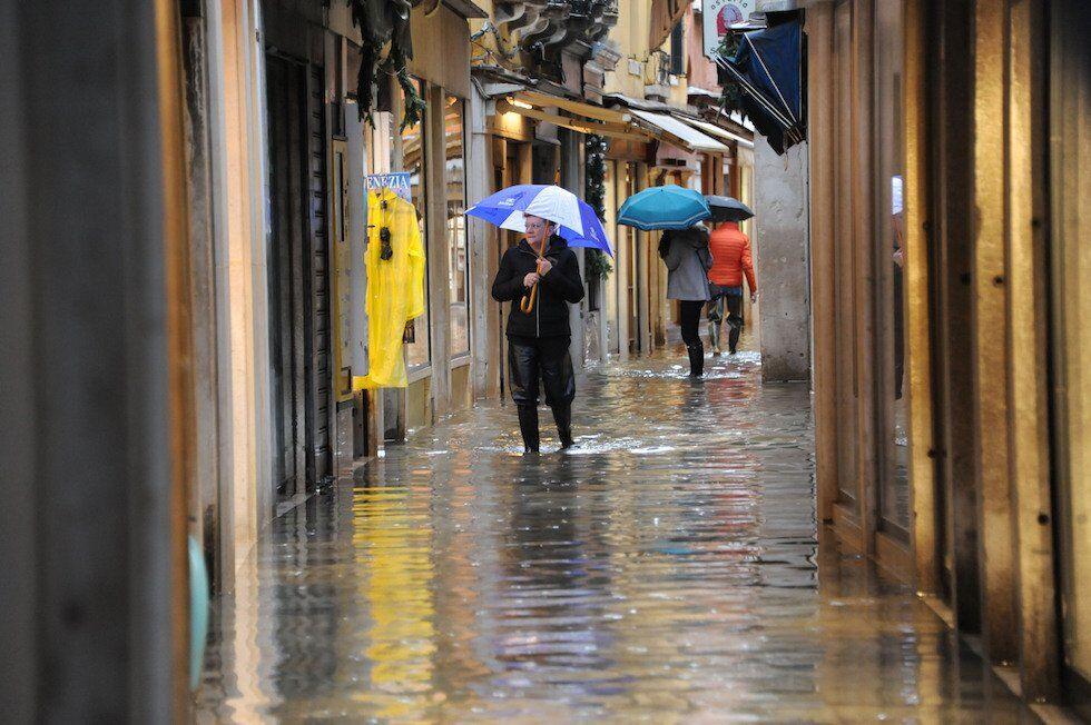 Венеция перед Рождеством опять ушла под воду