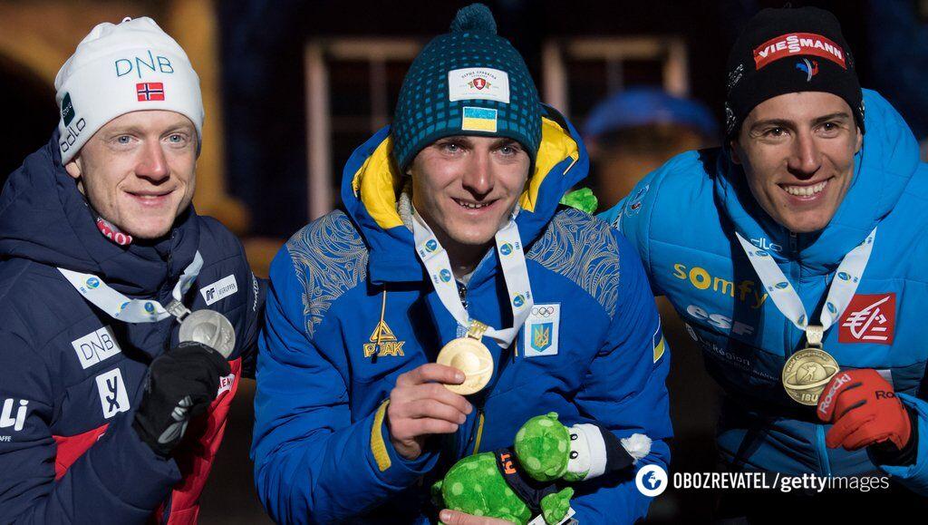 """Дмитрий Пидручный (в центре) с """"золотом"""" чемпионата мира, переиграв самого Йоханнеса Бе"""