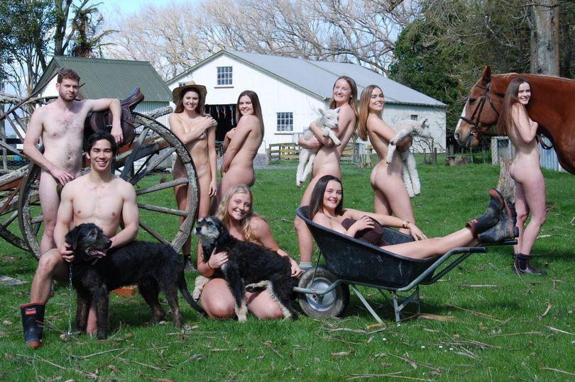 Новозеландські студенти влаштували відверту фотосесію