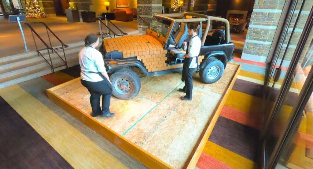 В процесі роботи кузов Jeep вкривали пряниками