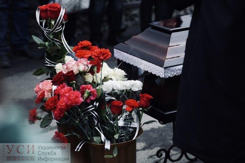 Фото с похорон Юлии Маркиной