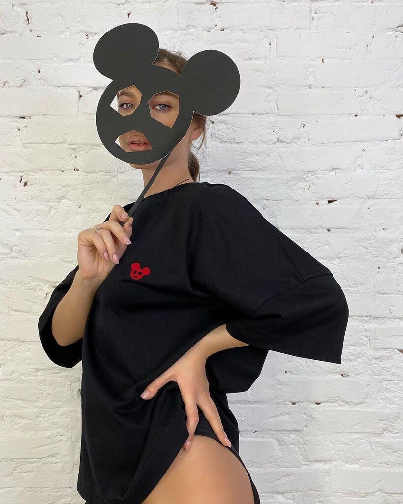 Олена Темнікова в образі мишеняти