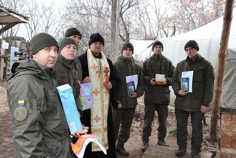 Нацгвардійців у районі ООС відвідав ігумен Діонісій