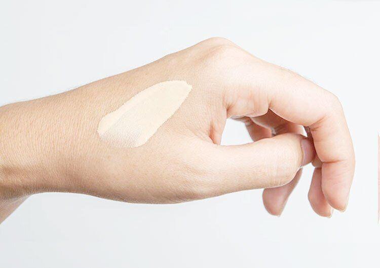 Алергія на косметику: через що з'являється і як їй запобігти