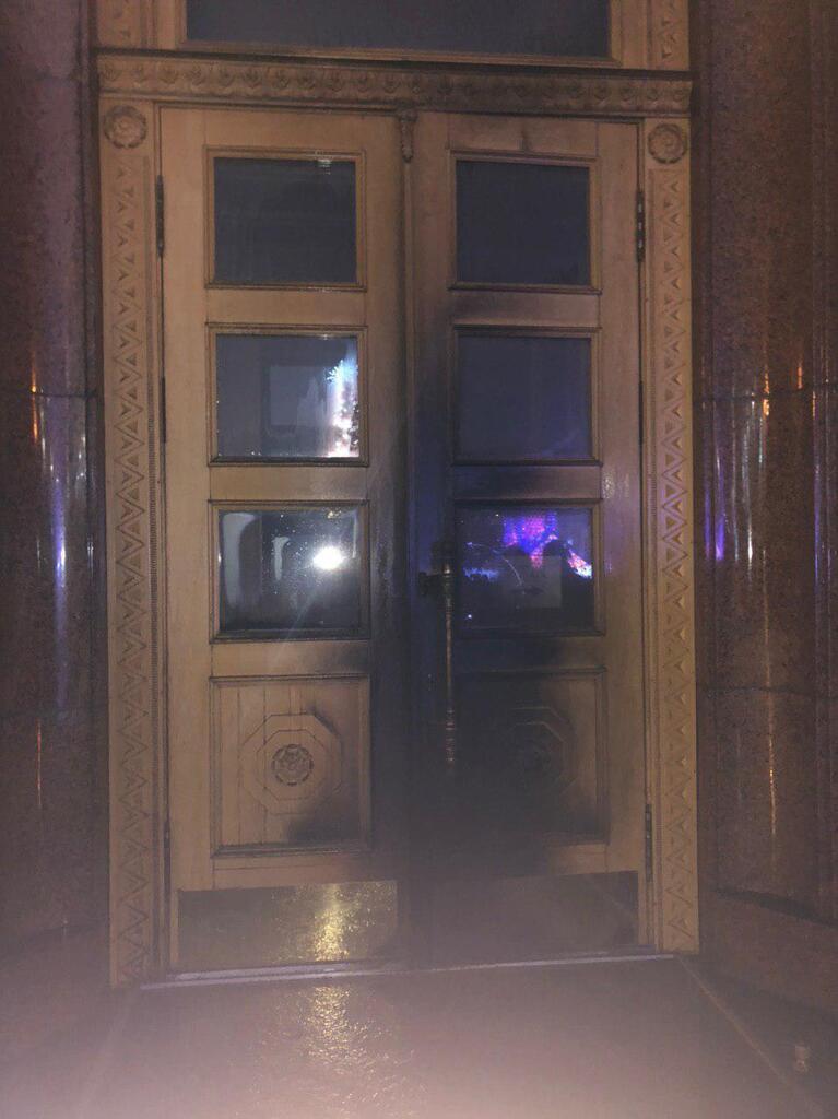 У Харкові підпалили будівлю ОДА