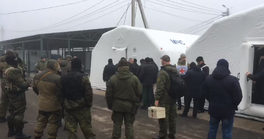 """124 на 76: Україна та """"Л/ДНР"""" обмінялися полоненими. Усі деталі"""